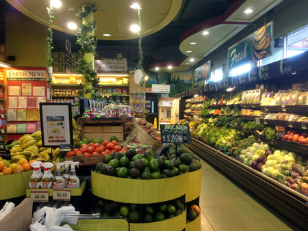 Phot: Produce Department at Down to Earth Honolulu